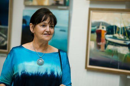 """Ligitas Caunes gleznu izstāde """"Te un tālumā""""."""